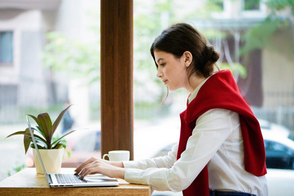 Tekster til hjemmesider og tekster til webshops Digital marketing konsulent til online markedsføring